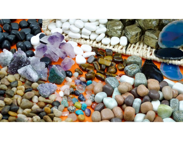 Stones / Minerals Treasure Basket